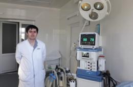 <p><strong>Заведующий хирургического отделения Абдунатипов Ахмед Абдунатипович</strong></p>